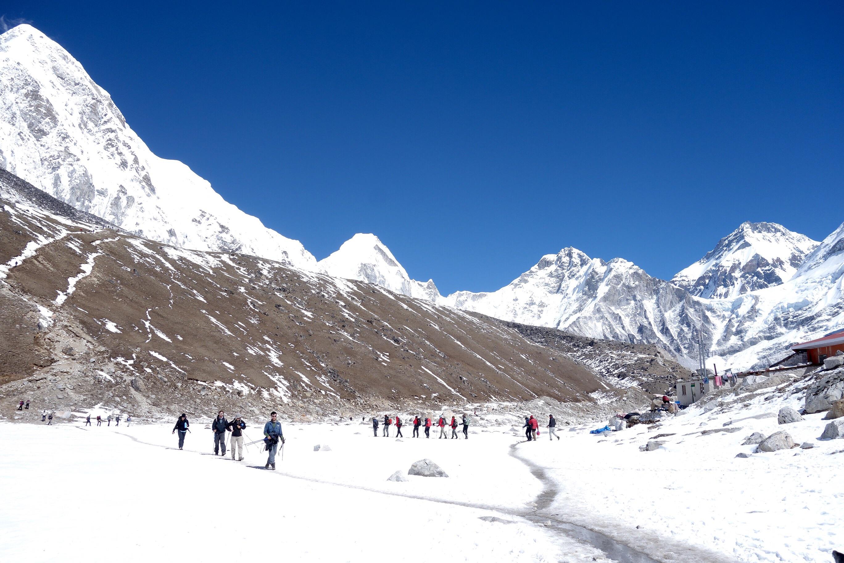 Trekking_to_Everest_Base_Camp