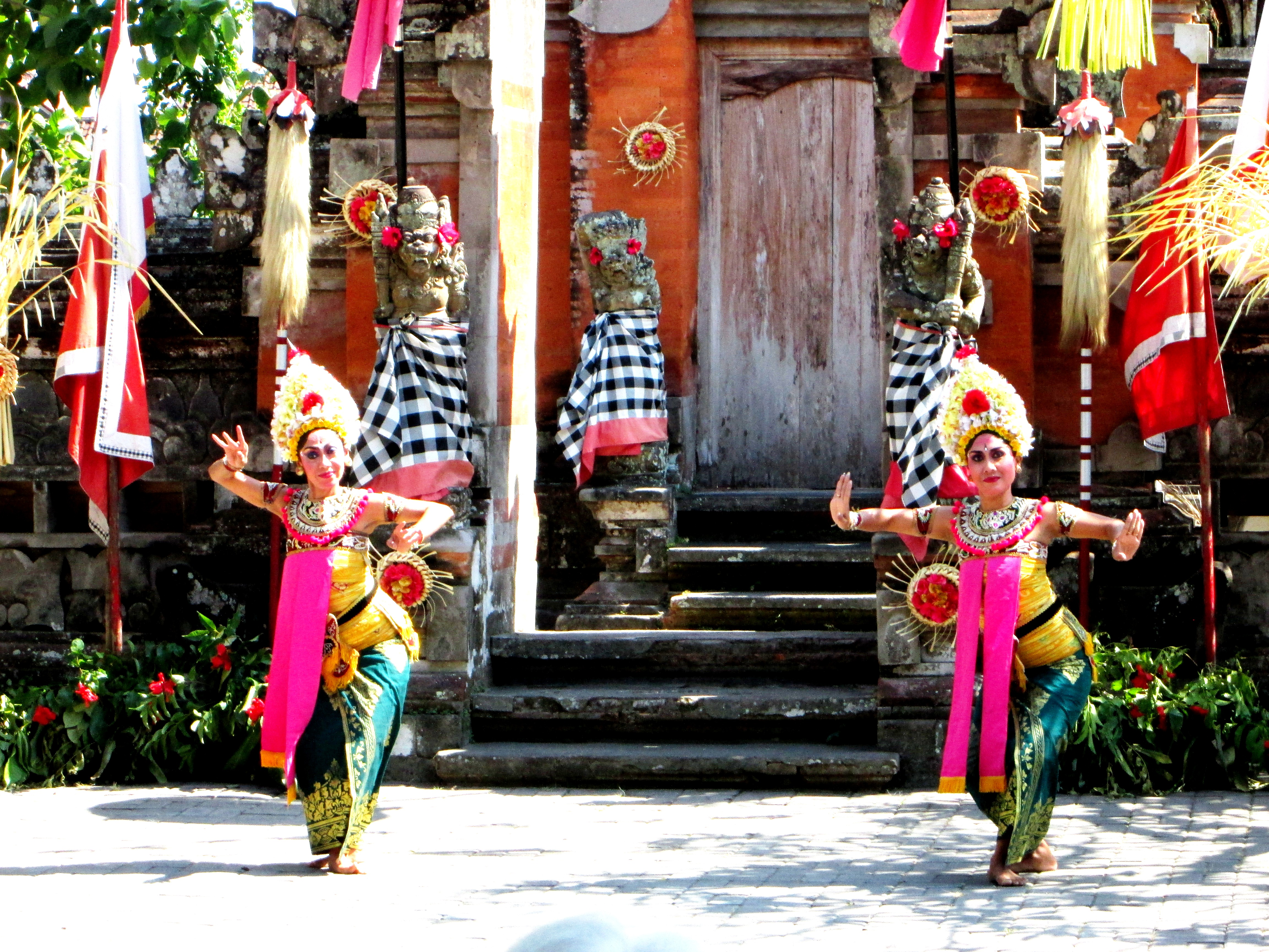 Barong dance (3)