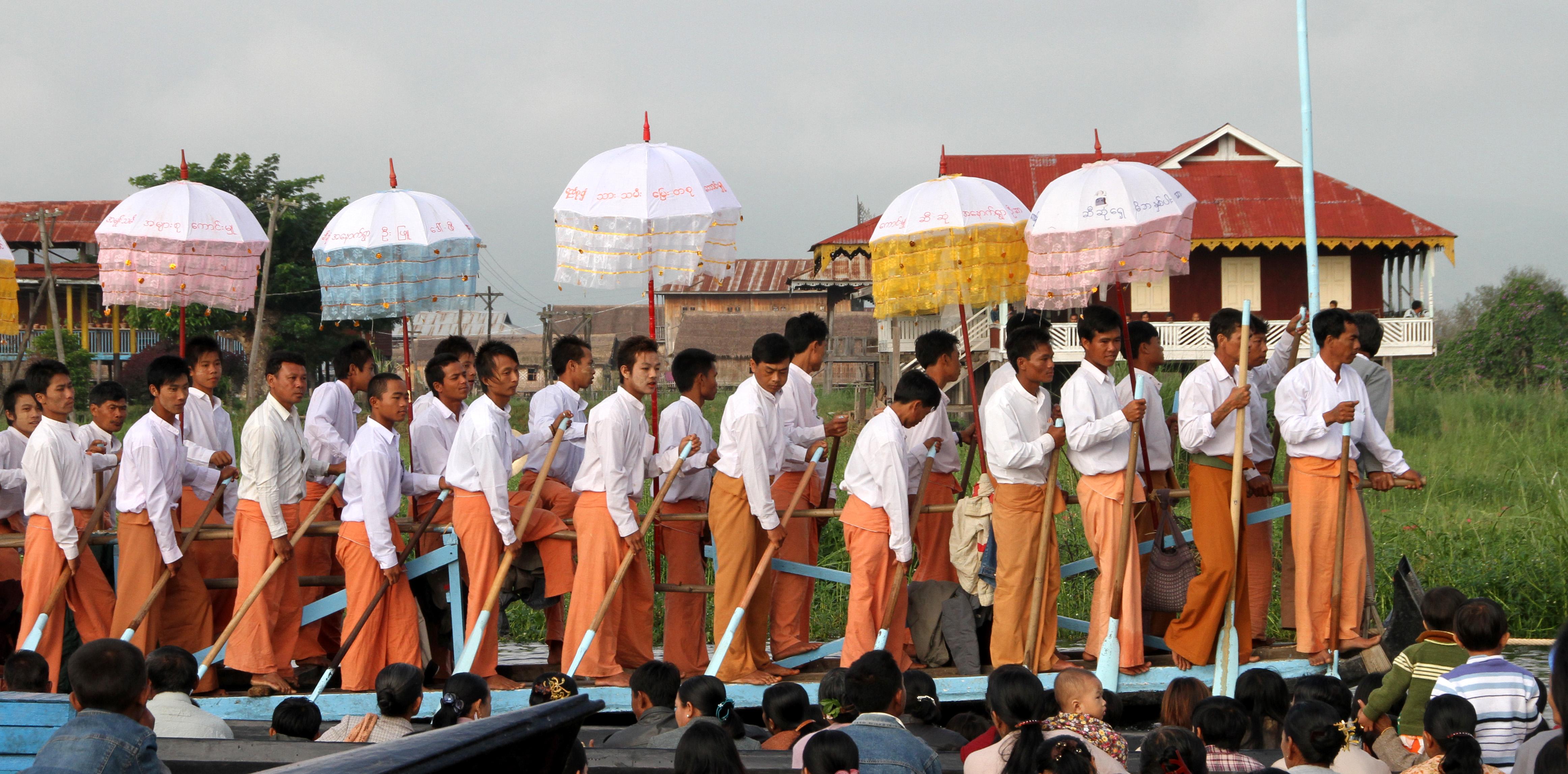 Phaung_Daw_U-Festival-20-Boat-gje