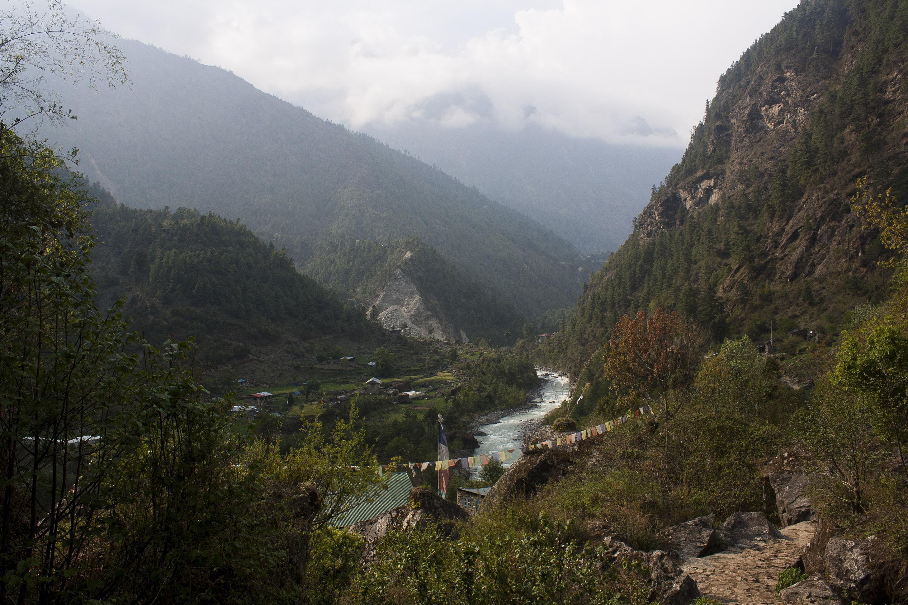 Trail_Towards_Namche_Bazaar