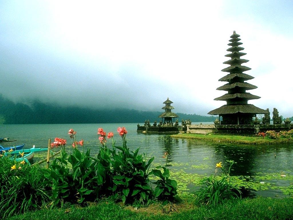 Ulun-danu-temple1