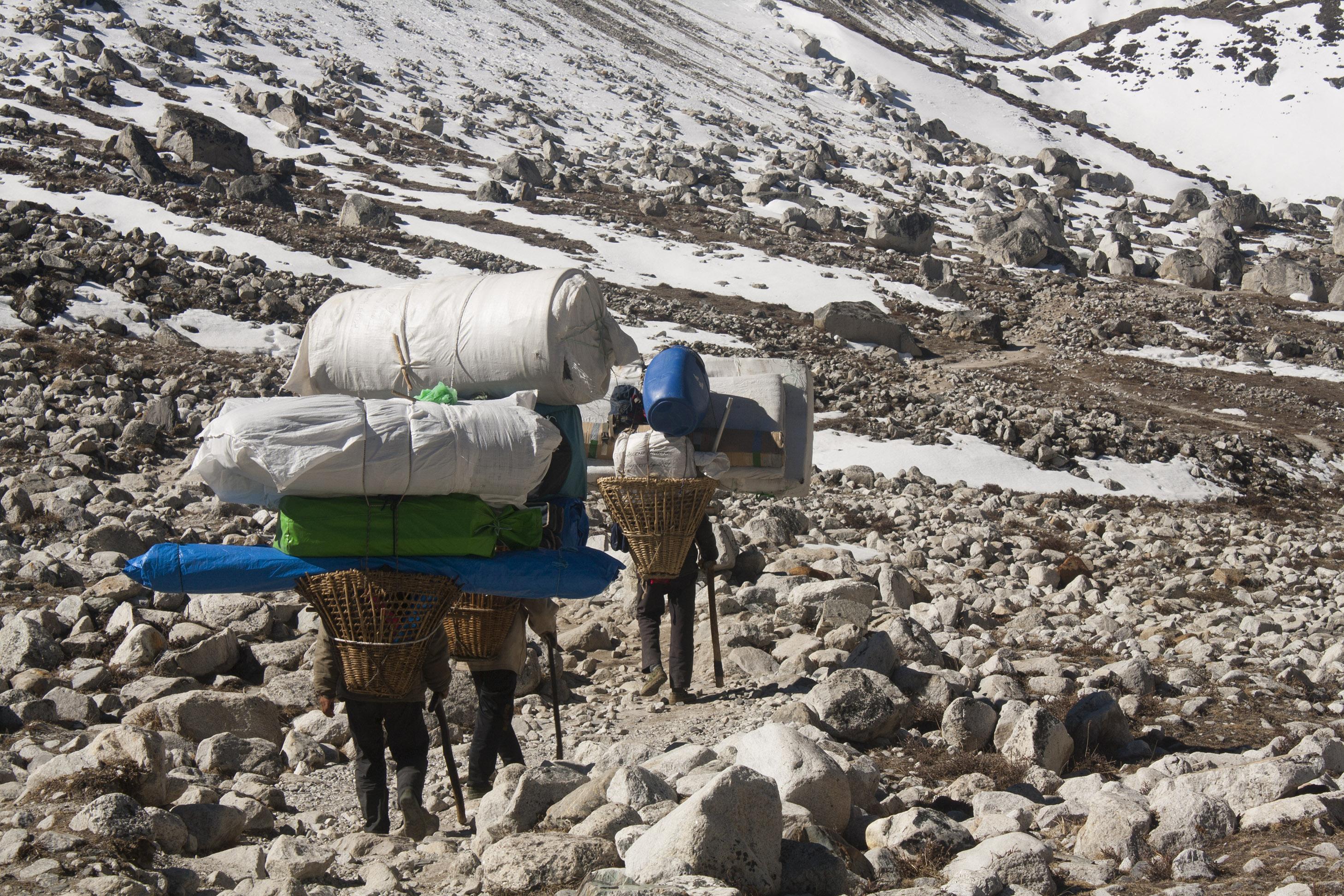 Sherpas_on_the_Trail_Nearing_Lobuche,_Nepal