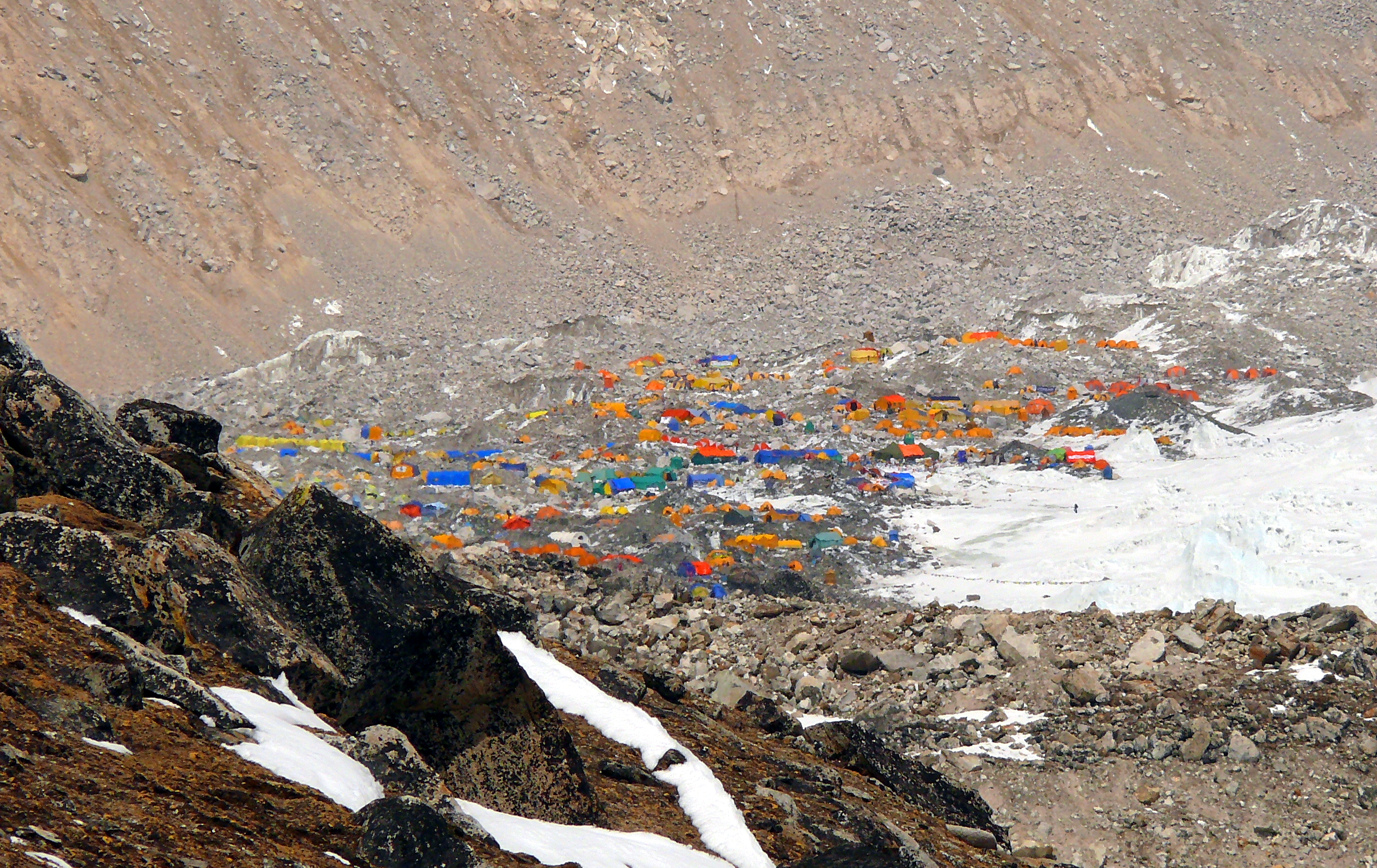 Everest_Base_Camp_from_Kala_Patther