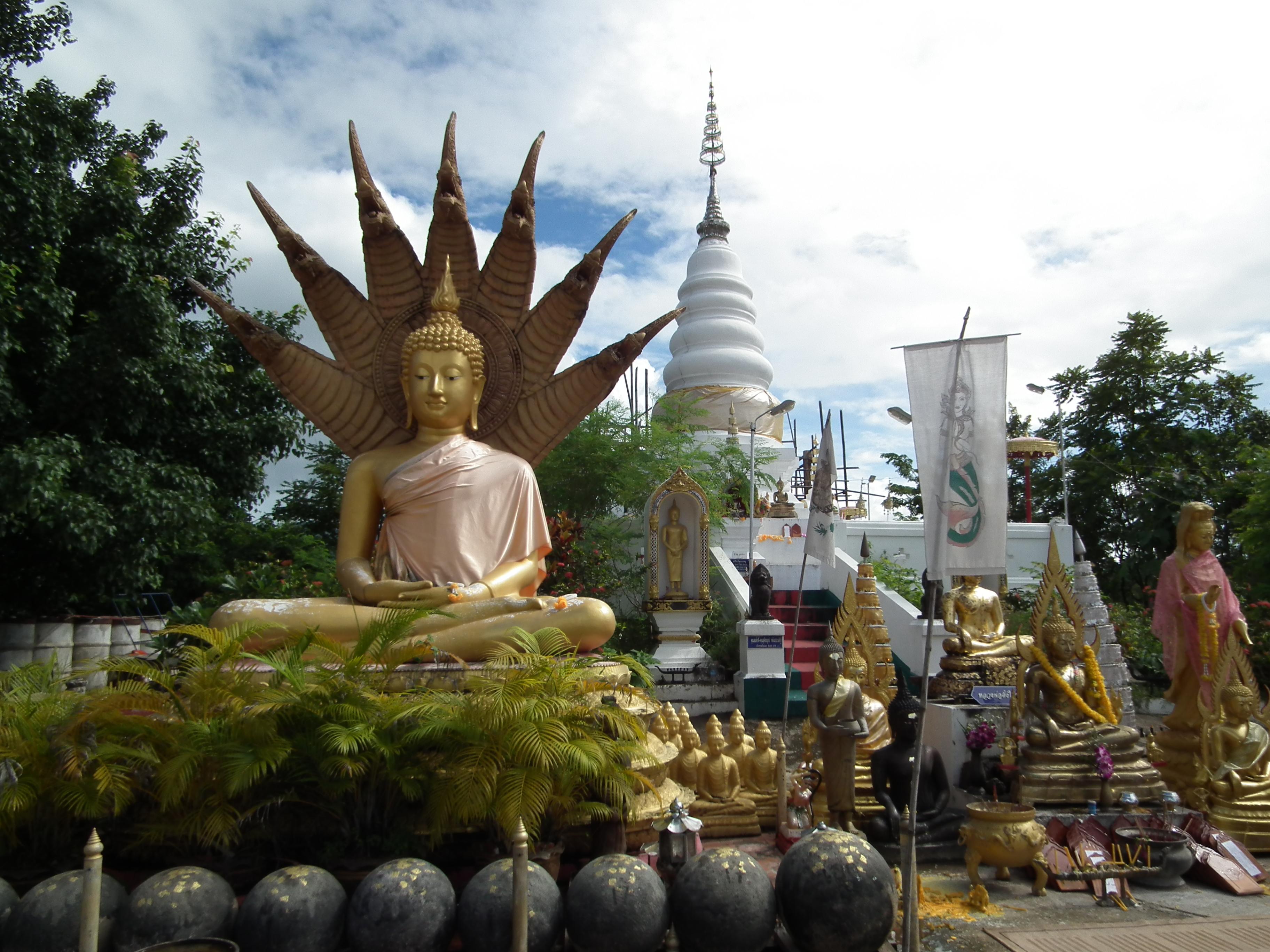 Wat_PraThat_Doi_Leng._Phrae,Thailand.DSCF6092