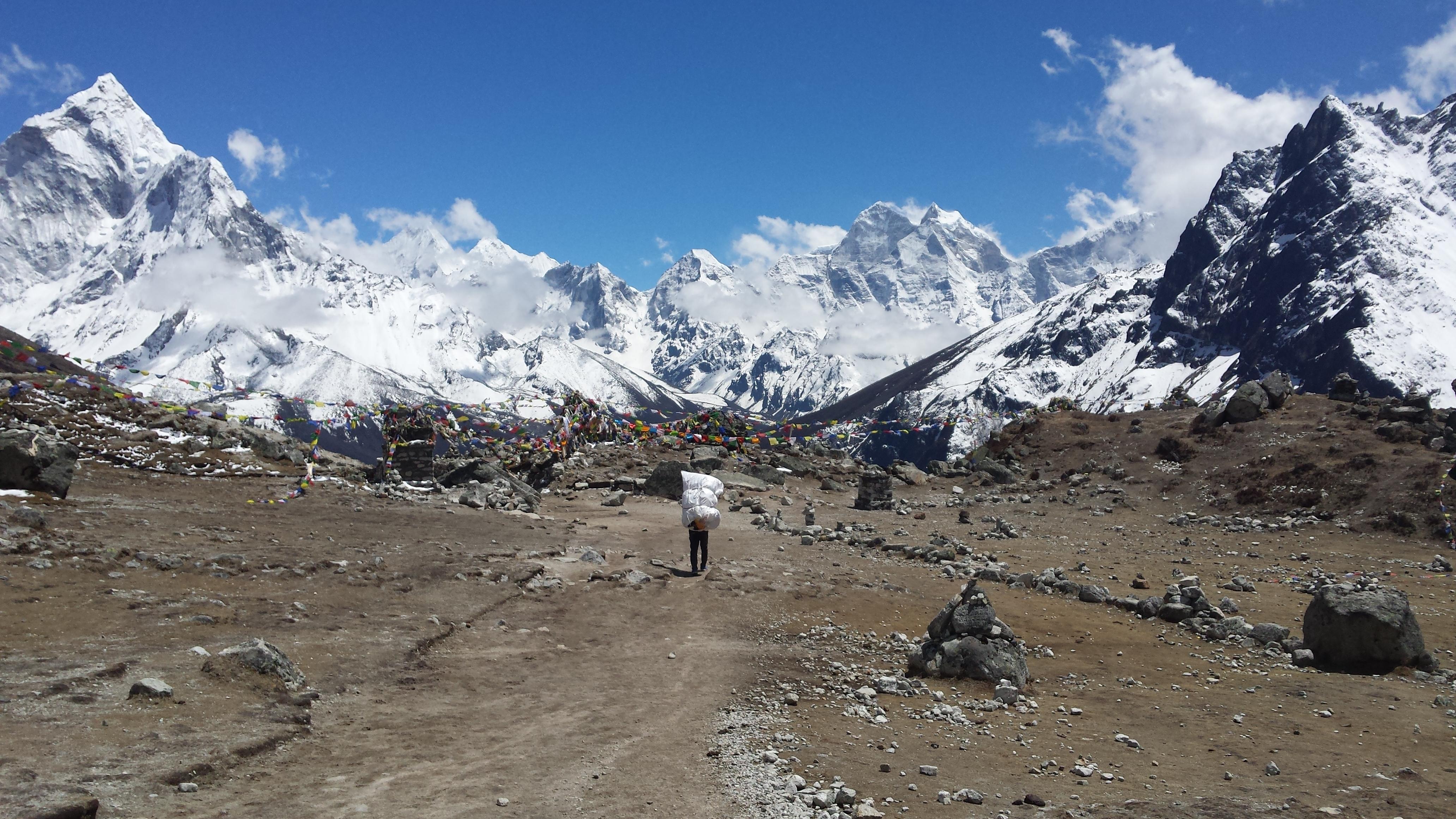 Everest_Base_Camp_Trek_beyond_Dhugla
