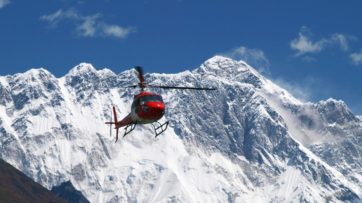 everest-helicopter