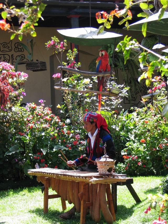 Chichicastenango - Marimba en Mayan Inn