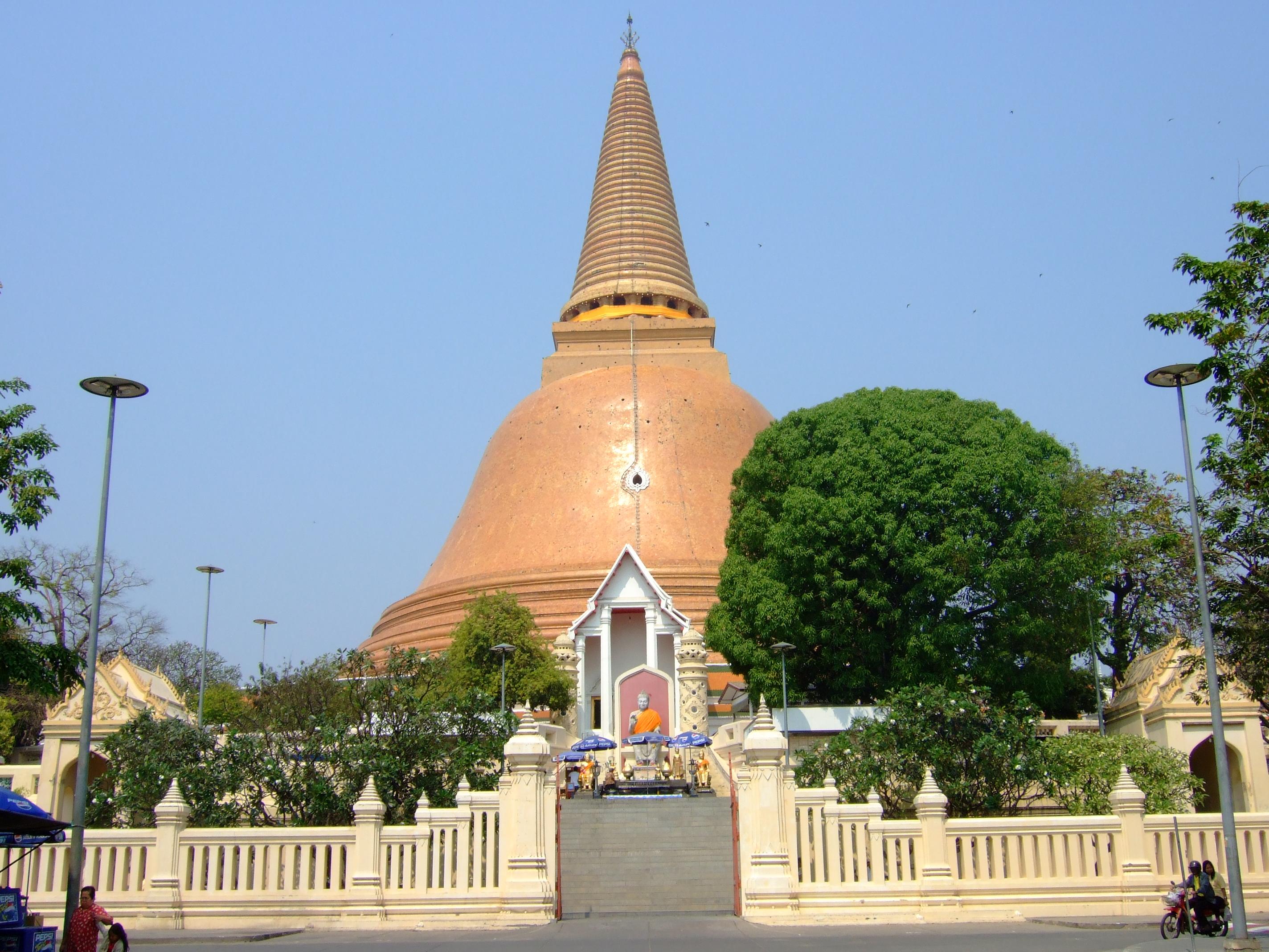 Nakhon Phrathom (16)