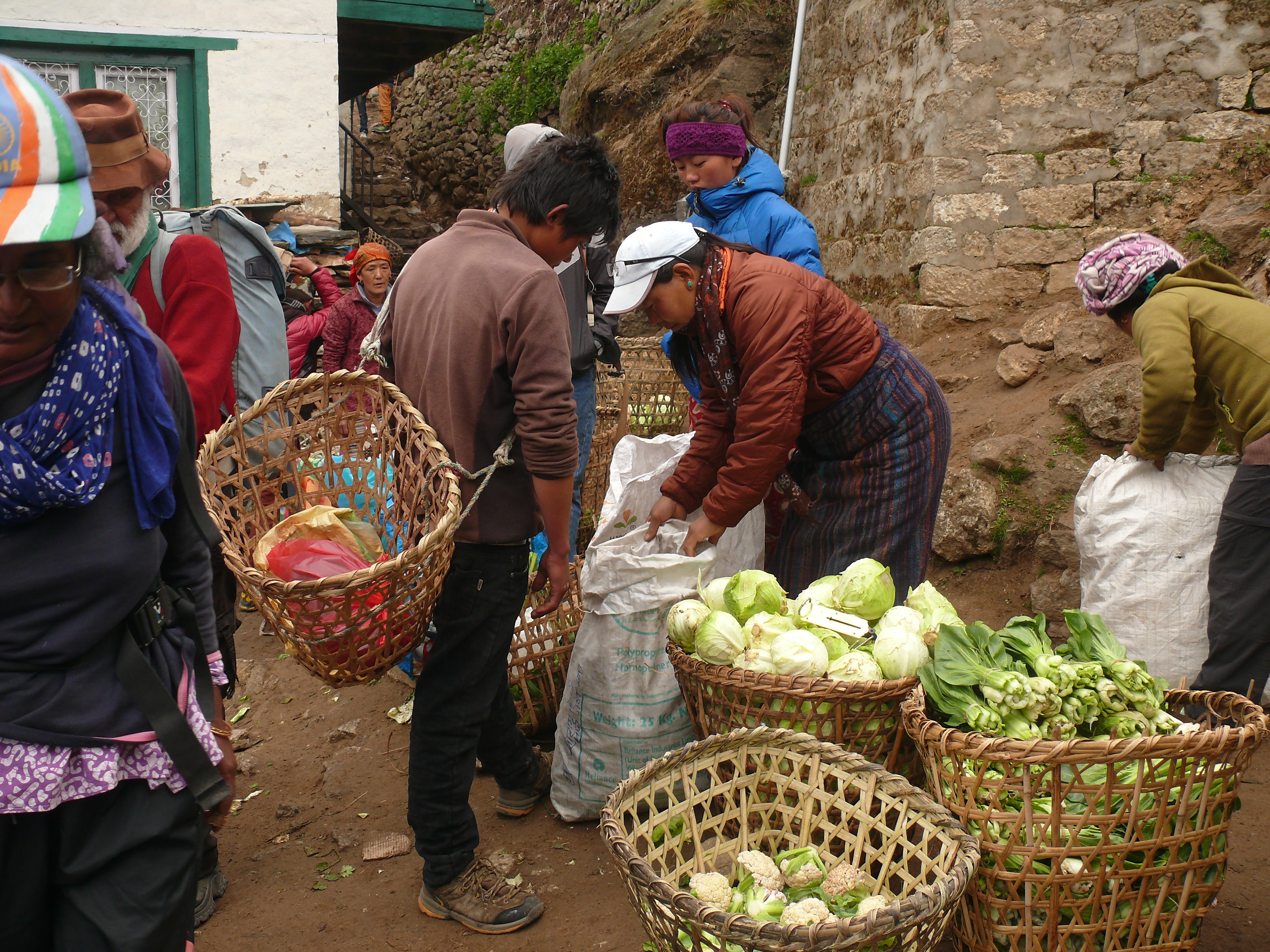 Namche_Bazar_Vegetable_market