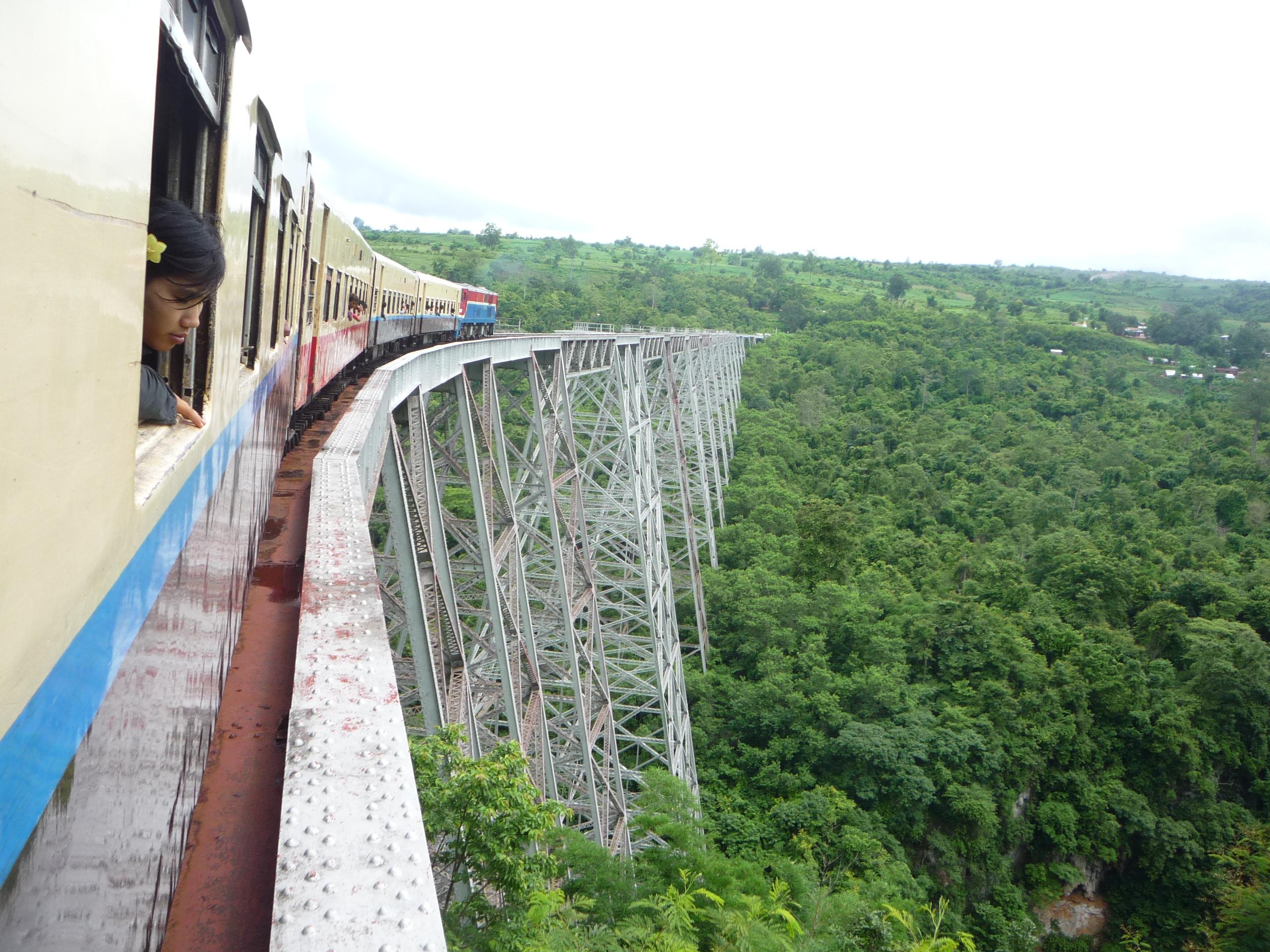 Gote Htike Bridge from the train (2)[1]
