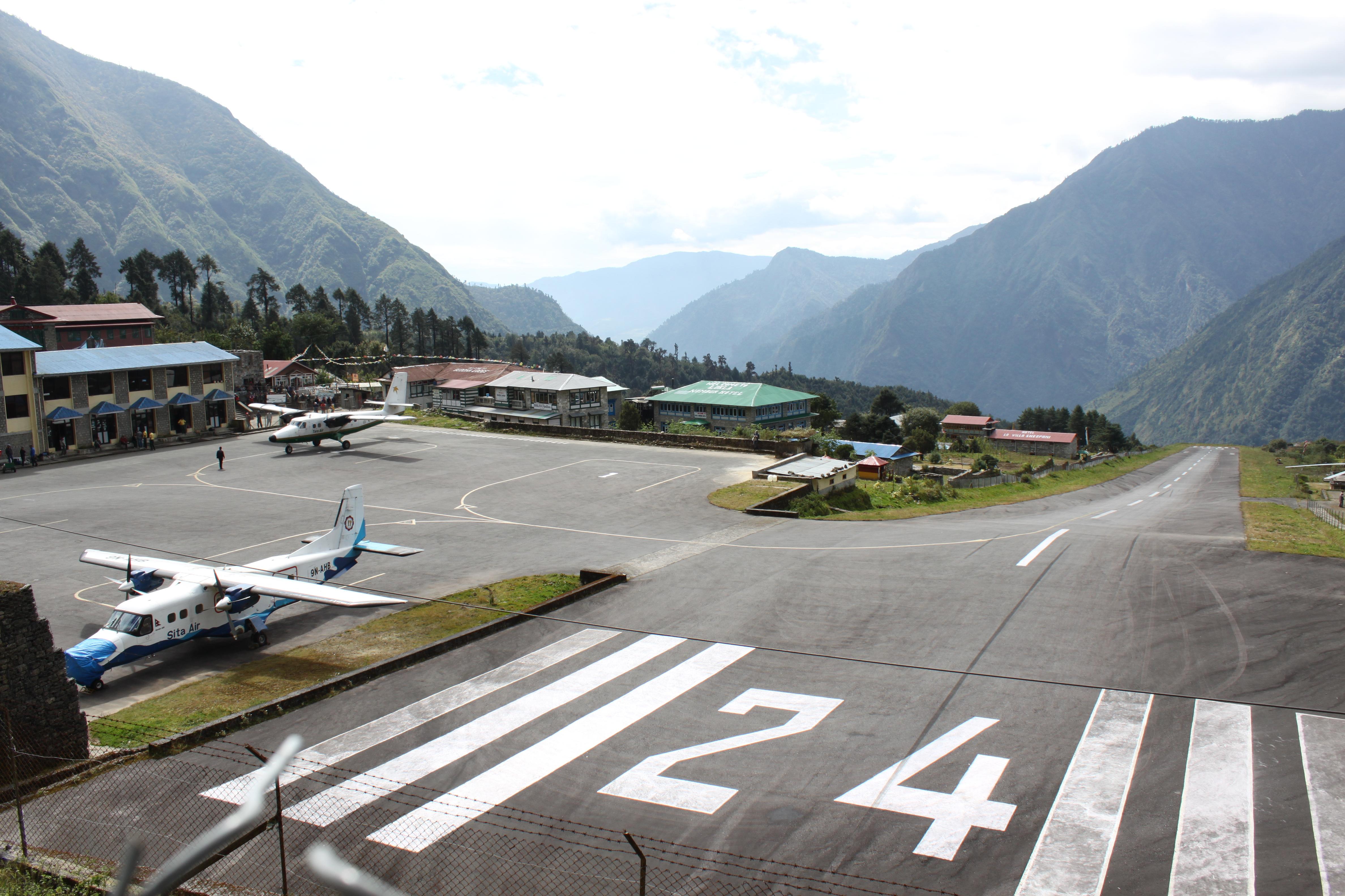 Lukla_airport_Nepal