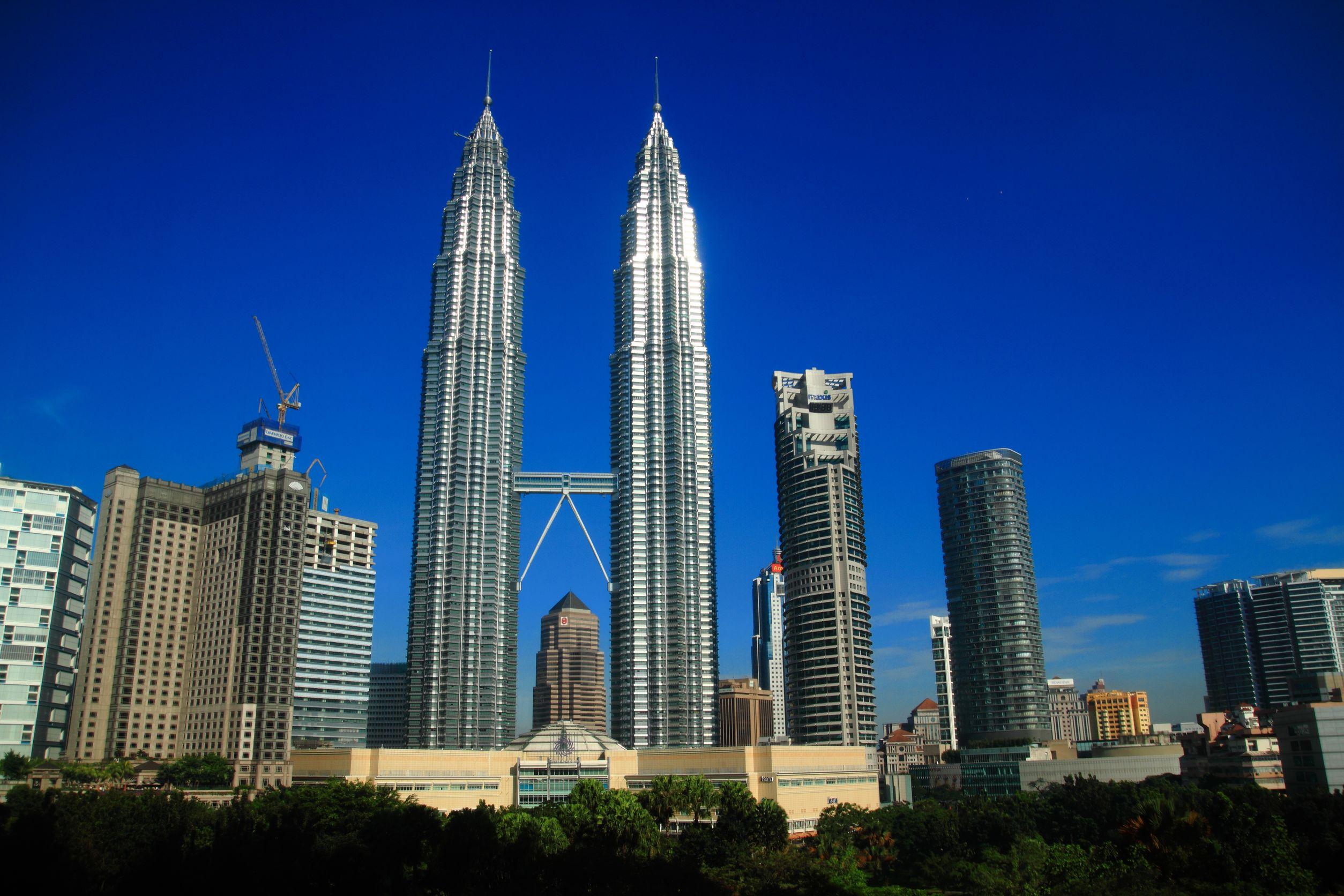 Kuala-Lumpur-skyline-Malaysia