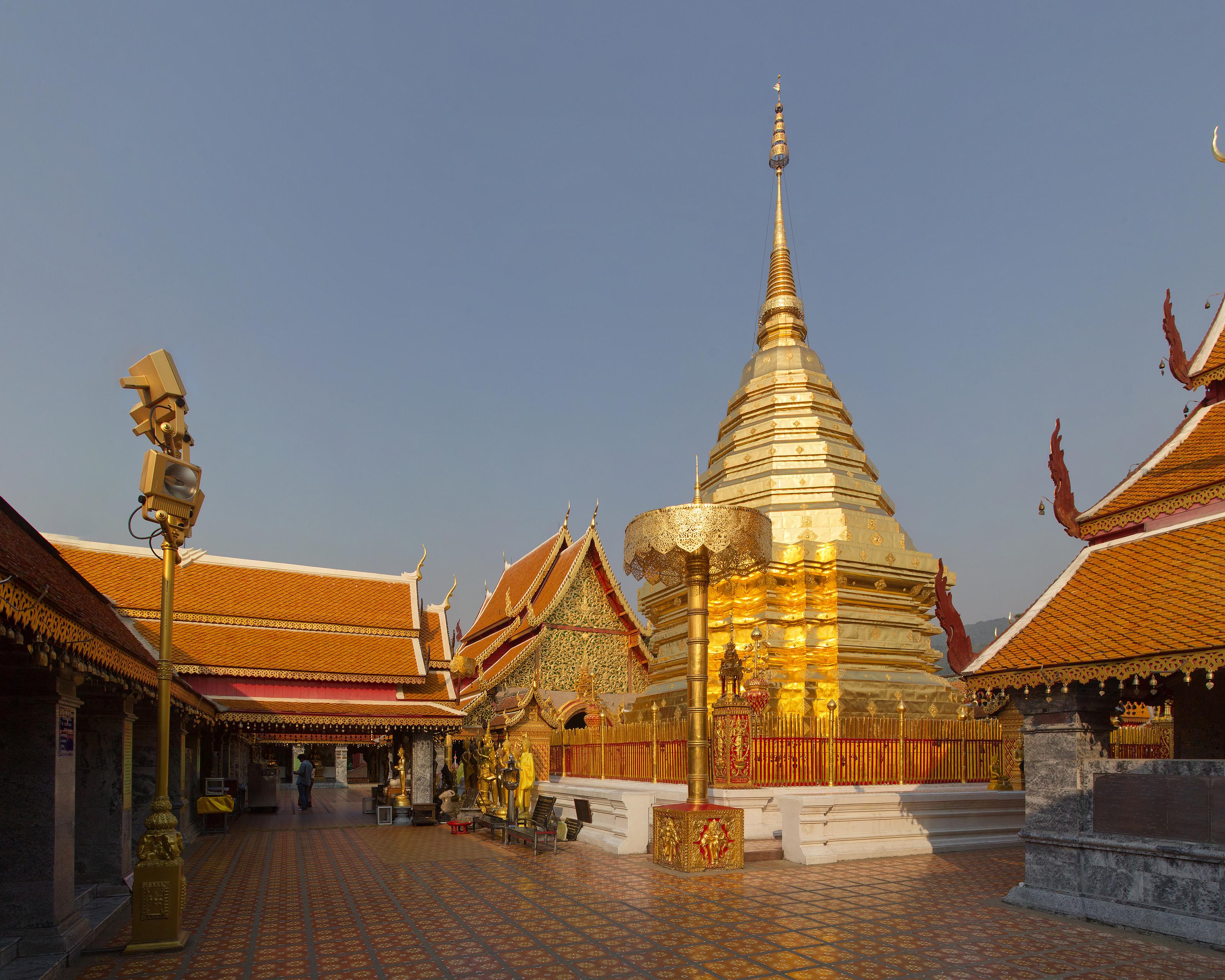 Wat Phrathat Doi Suthep 2