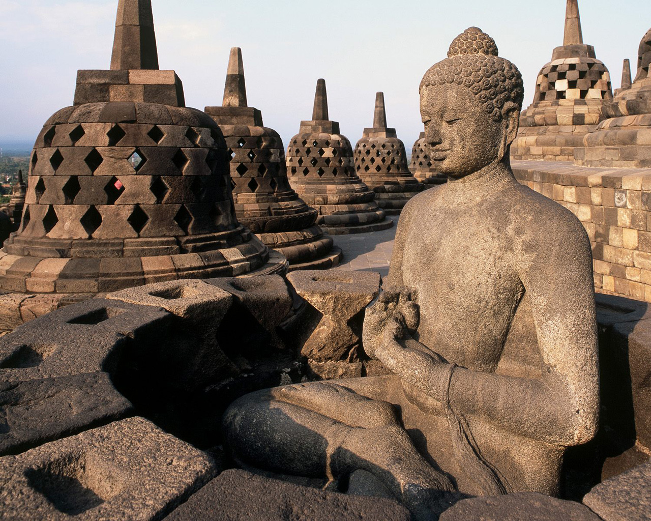 Borobudur-Temple-in-Indonesia2