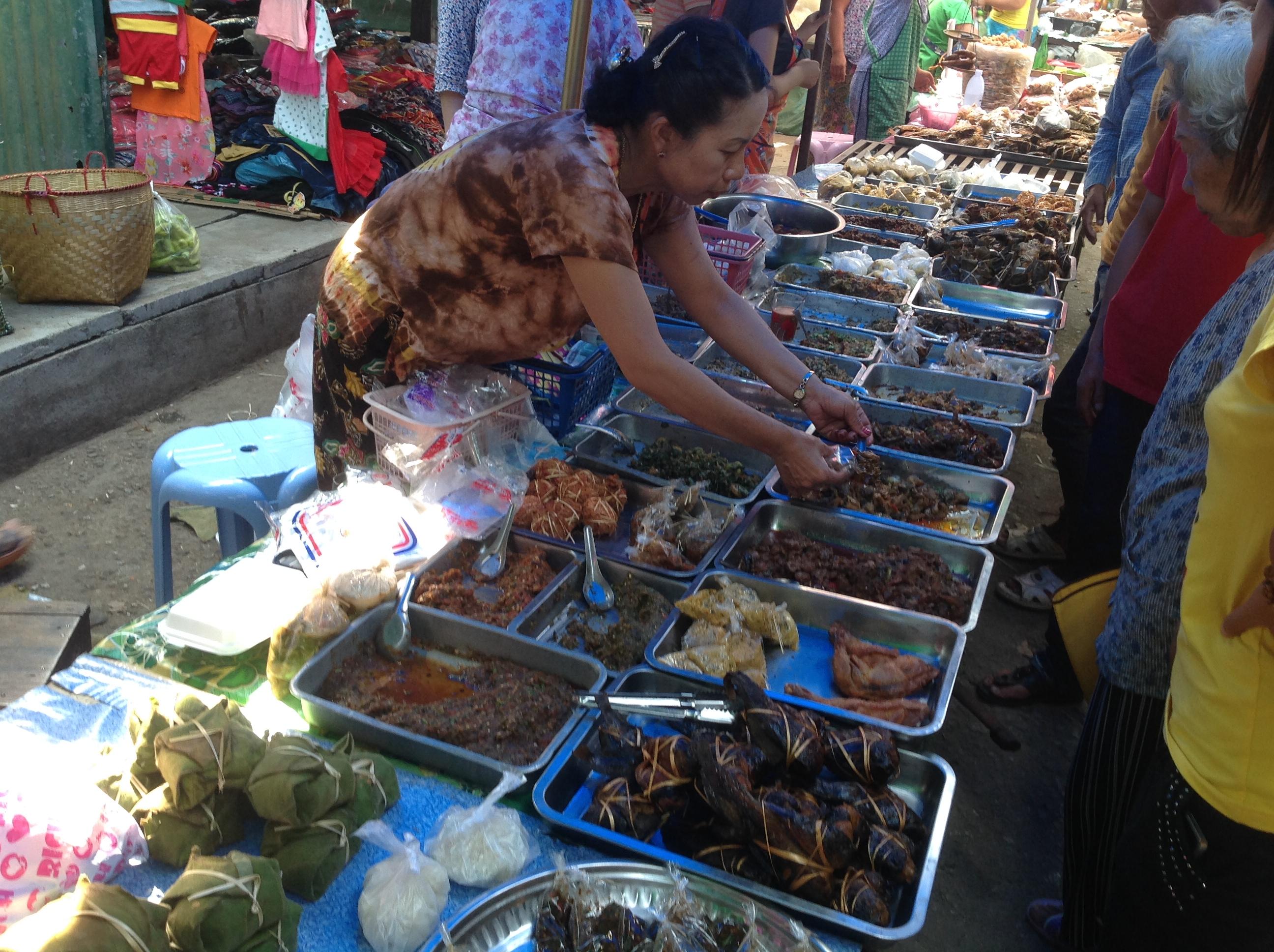Kyaing tong market[1]