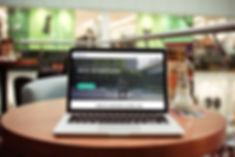 Orlarium | diseño web on macbook