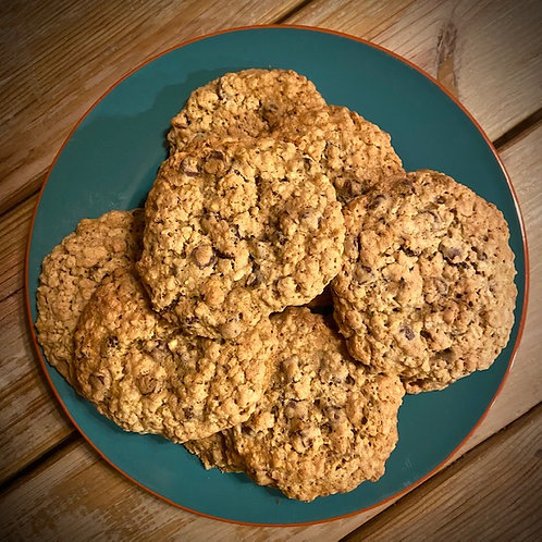 Homemade Oatmeal Chocolate Chip Cookies (2 Large per Pack)