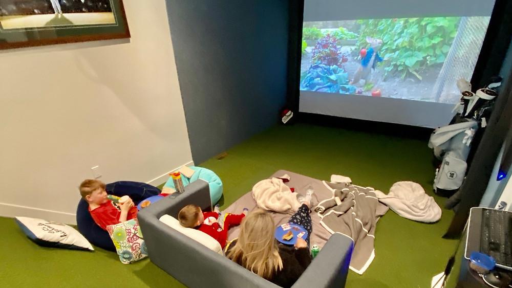 Indoor Virtual Golf