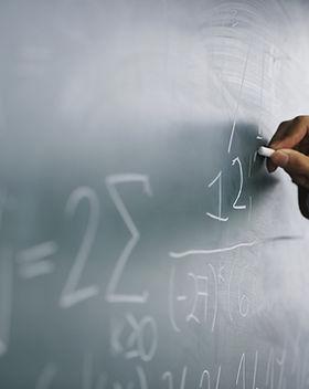 Insegnante di scrittura di una formula s