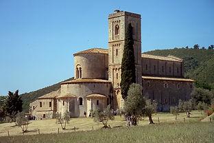 Montalcino_-_Sant'Antimo2.jpg