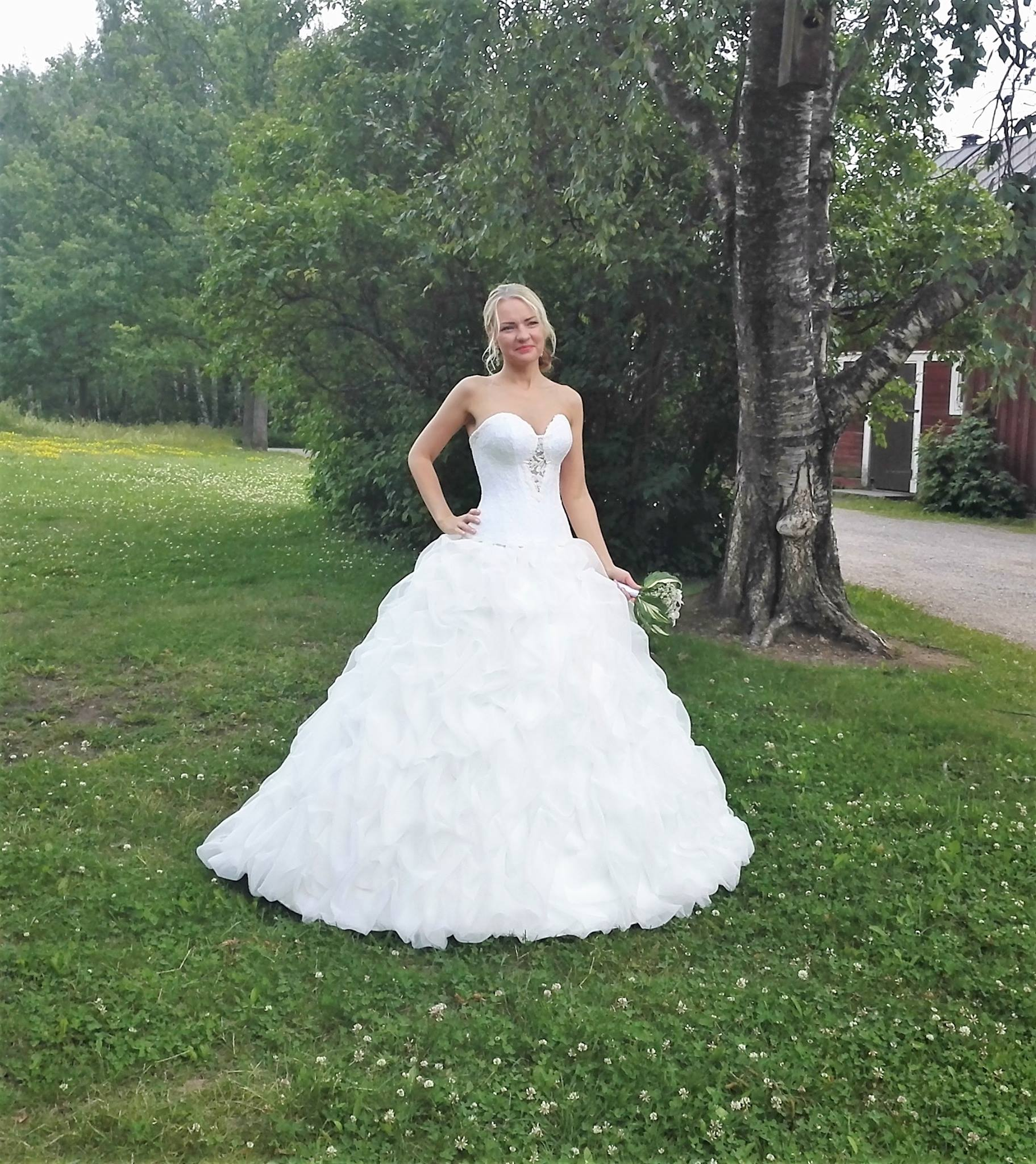 HÄÄPUKU WEDDING DRESS Свадебное