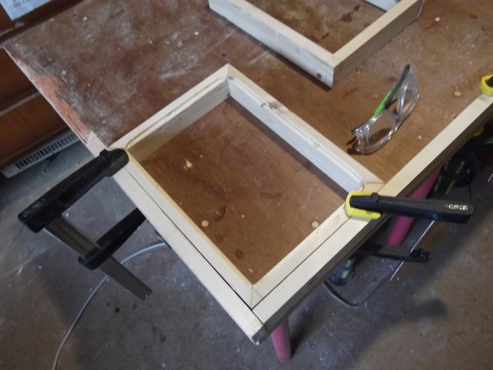 Usinage du pourtour intérieur de la boite.