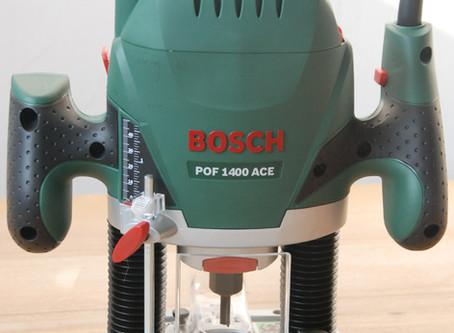 La Bosch POF 1400 et son rail de guidage.