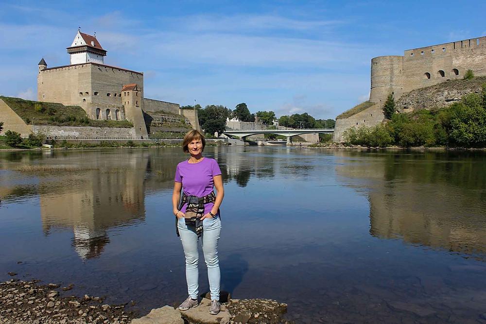 Dette er vår versjon av det ikoniske Narva-bildet: Hermann-festningen på estisk side av elven og den langt større Ivangorod-festningen på russisk side.