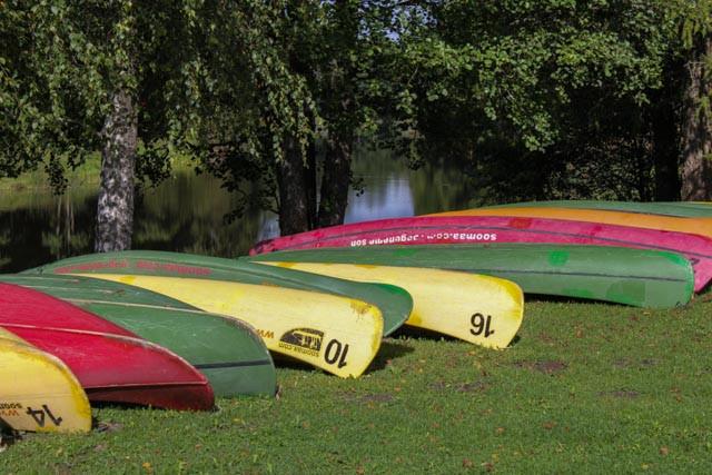 Flere turoperatører tilbyr kanoturer og andre opplegg i Soomaa nasjonalpark i Estland.