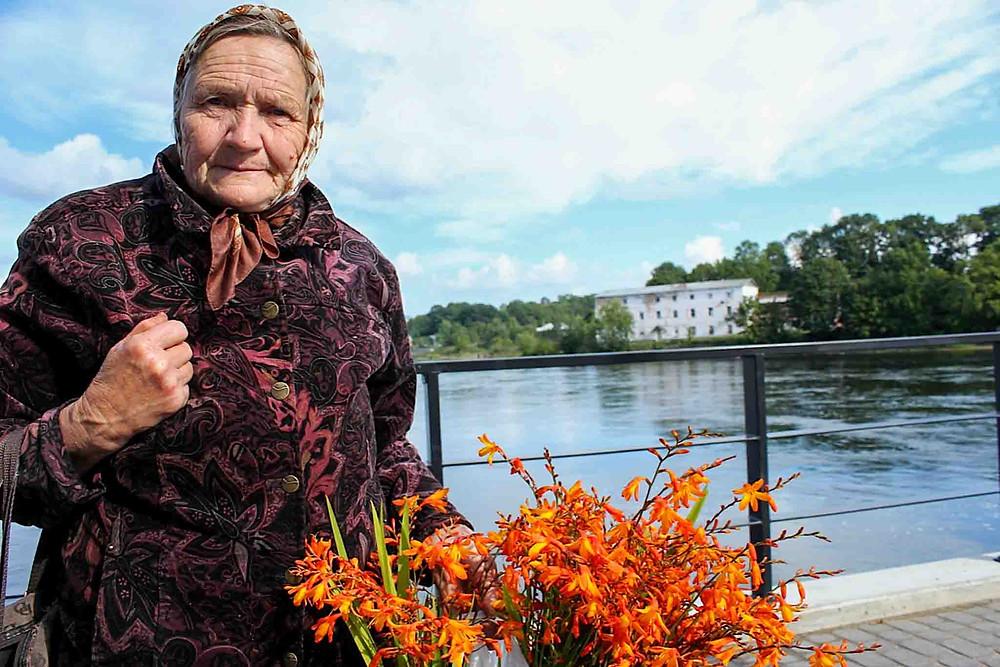 En av flere vi hadde en god samtale med i Narva. Hun snakket russisk, vi snakket norsk.