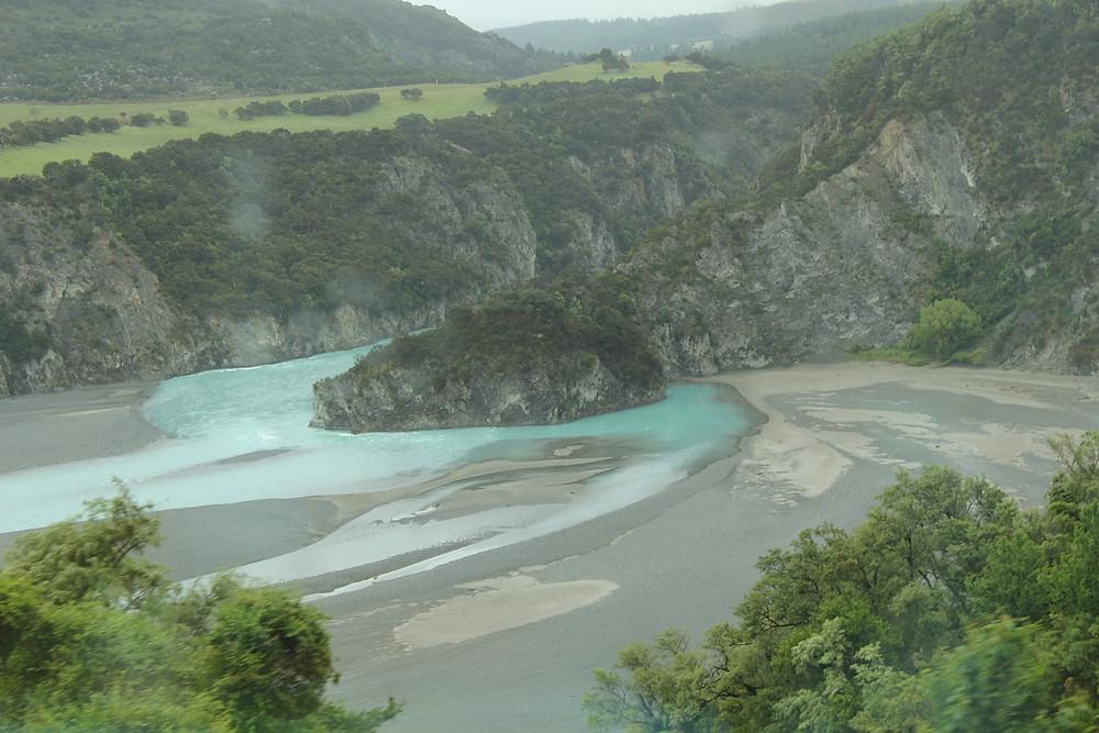 Waimakiriri Gorge sett fra TranzAlpine.