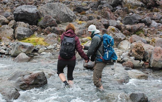 ..men du må ikke være redd for å bli våt på bena - i Tongariro National Park.