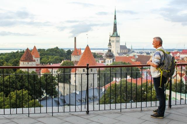 Fin utsikt over gamlebyen i Tallin.