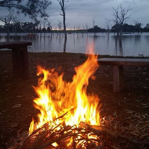 Enjoy Camp Fire with Day Tour Perth