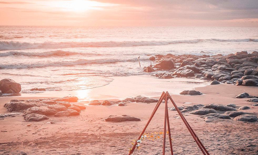 Picnic by The Beach dari Soka Indah