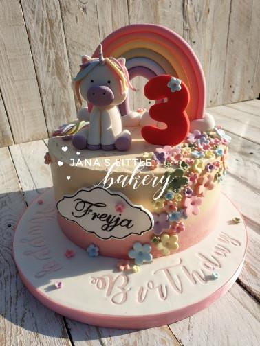 Vanilla Unicorn Themed Cake