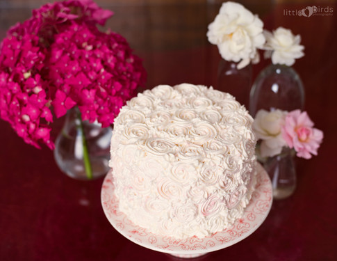 Vanilla Cake with Rose Style Buttercream
