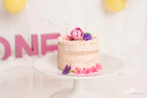 Vanilla Cake with Pinky Buttercream