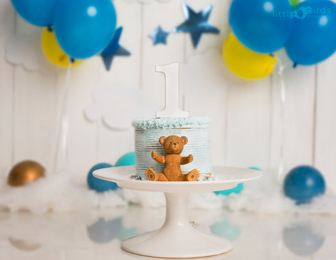 Vanilla Cake with Blue Icing
