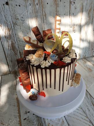 Kinder Bueno Drip Cake