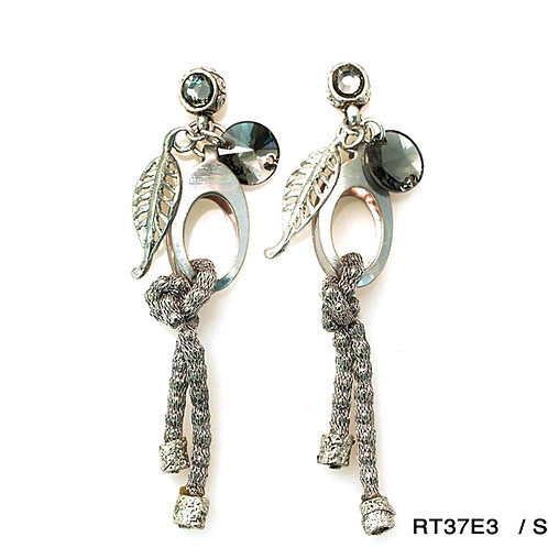 metal ornaments and crystals earrings