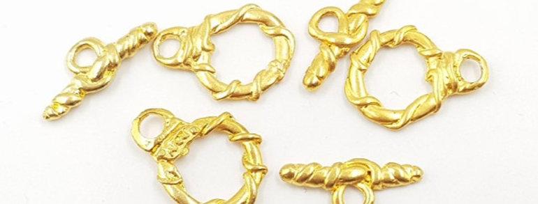 סוגרי T בעיצוב בלעדי בציפוי זהב