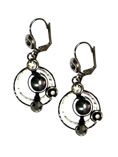 black metal pearls earrings