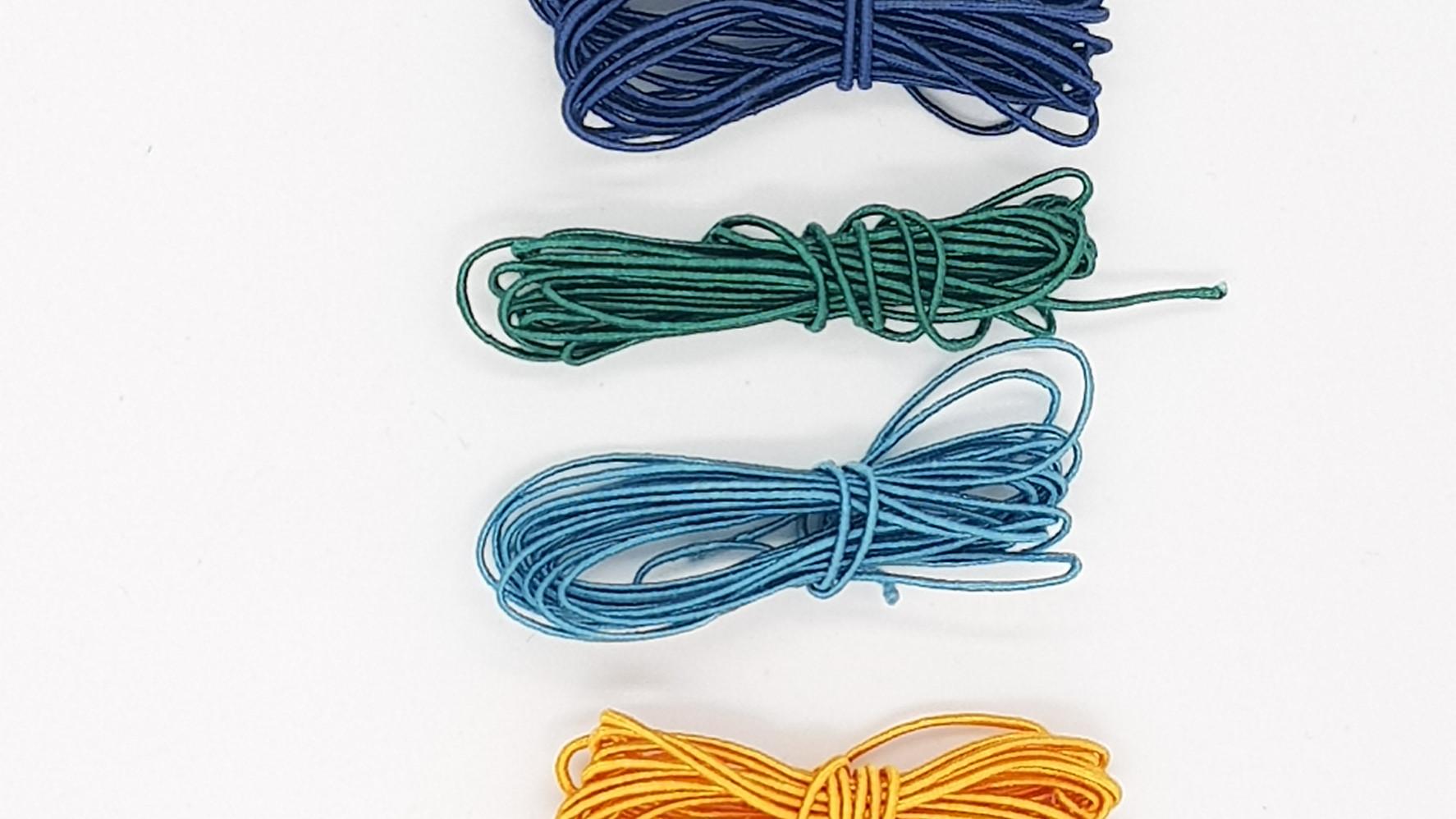 327- 6 יח' של חוטי משי על כותנה- בצבעים כהים, 3 מטר מצבע