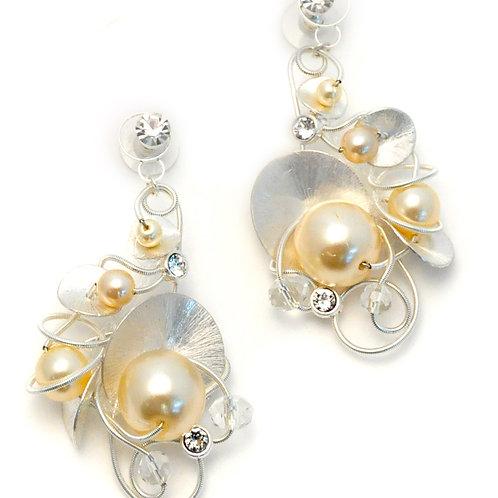 Pearls, metal shells and Swarovski crystals Bridal Earrings