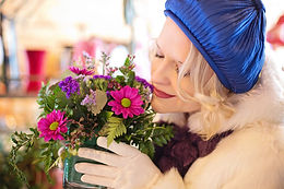 flower-shop-4013863_1920.jpg