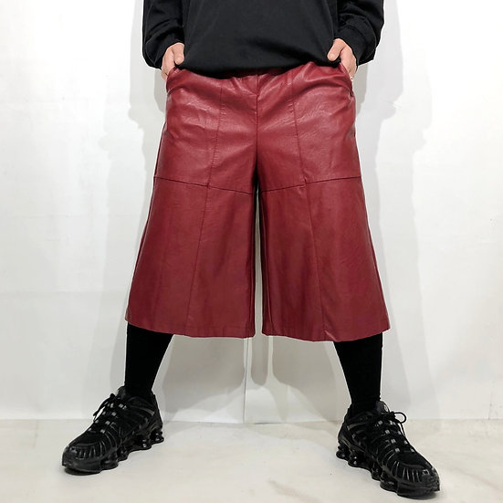 fake leather gaucho design pants / RED