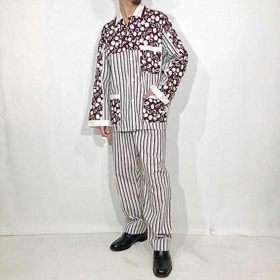 old pajama set-up / stripe