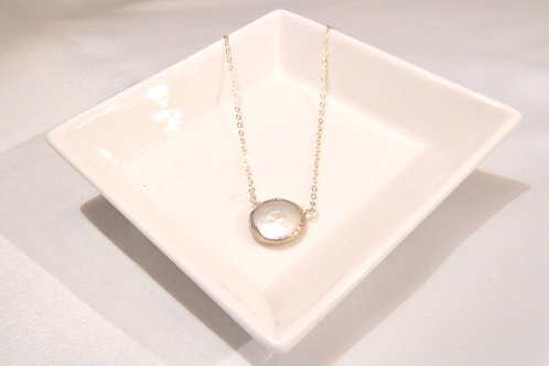 Mother of Pearl Large Round