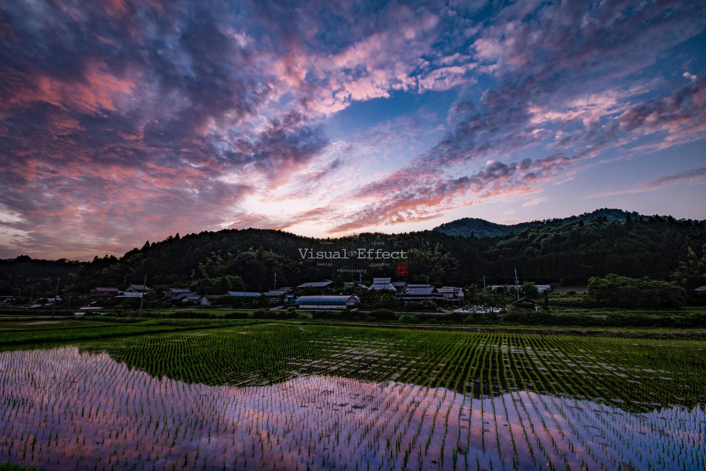 山里の夕景